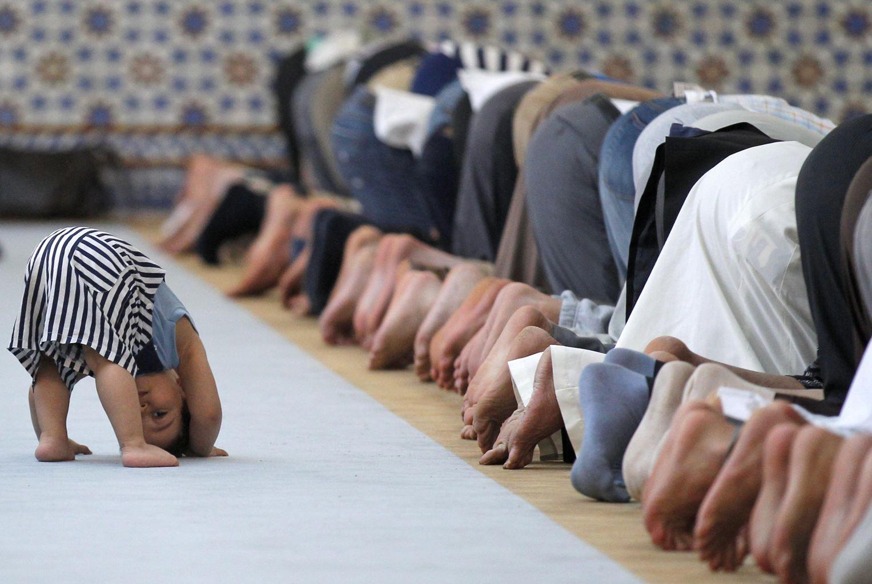 ماه مبارک رمضان و تصویر کودکی در فرانسه